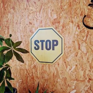 トラフィックサインボード 「STOP」