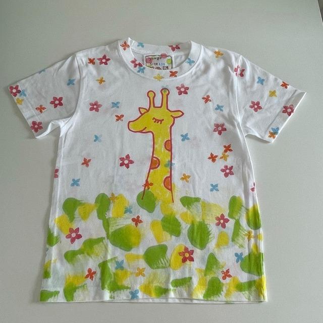 kidsTシャツ130cm「キリン 花々のなかで」130-211005-3