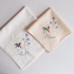 Summer garden ハンカチ  ❘  aya 刺繍 ハンカチ
