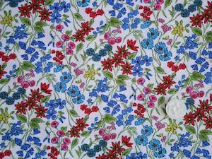 Moda Wild Flowers オフホワイト地に小さな花柄