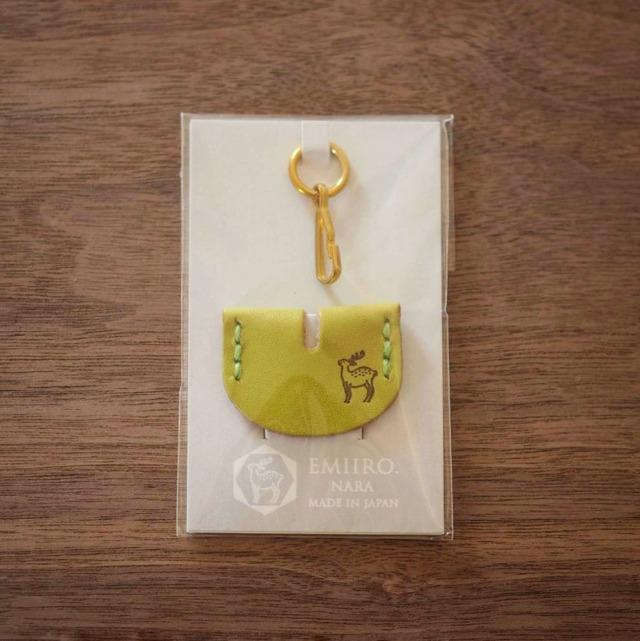 鍵の帽子(若草色 / WAKAKUSA IRO)鹿のロゴマーク入り