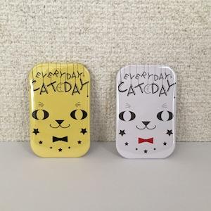 EVERYDAY CAT DAY スクエア缶バッジ(大)