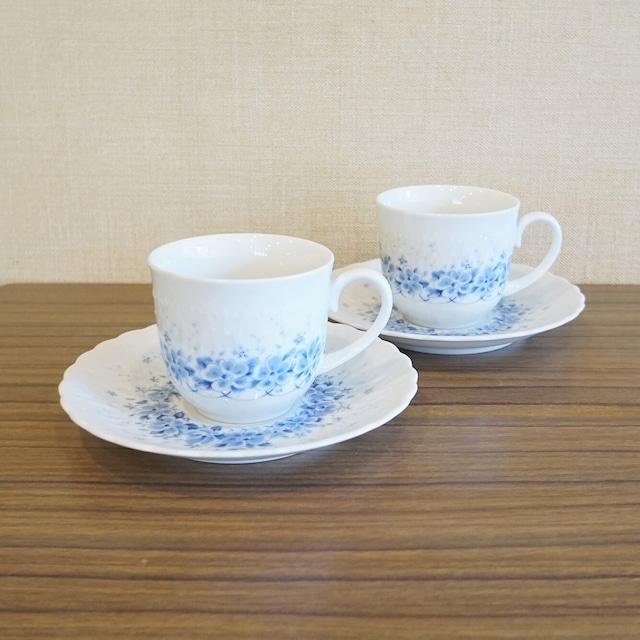 HOYA  青い花柄のカップ&ソーサー2客セット