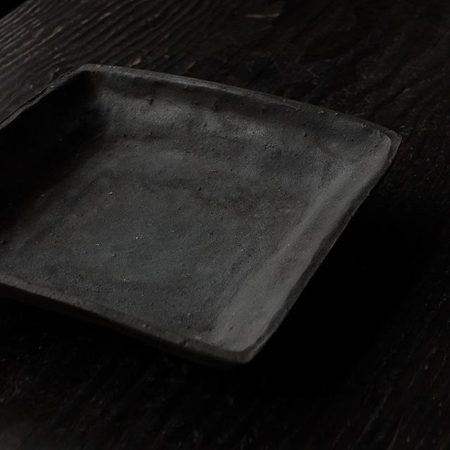 焼締角皿 uchida yoshimi