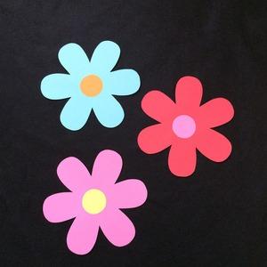 大き目の花の壁面装飾3個セット