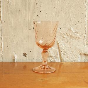 桜色の食前酒グラス