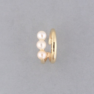 Line pearl earcuff