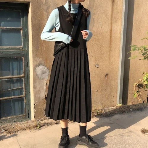 SALE!【送料無料】 ワンピース ロング丈 ジャンパースカート 無地 ブラック プリーツ 秋冬 大人可愛い
