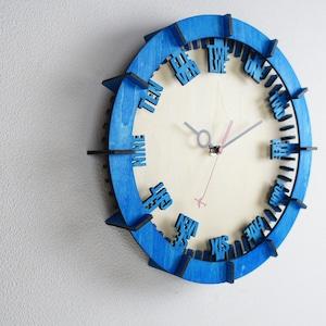 「モダン(英語)」木製掛け時計