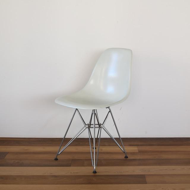 【Herman Miller】Eames Shell Side chair DFSR 展示仕様