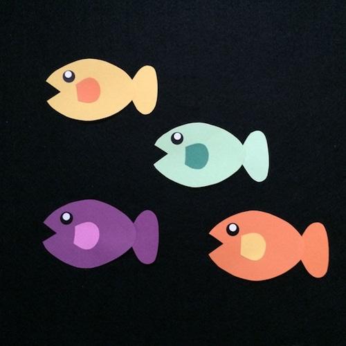 小さい魚(左向き)の壁面装飾