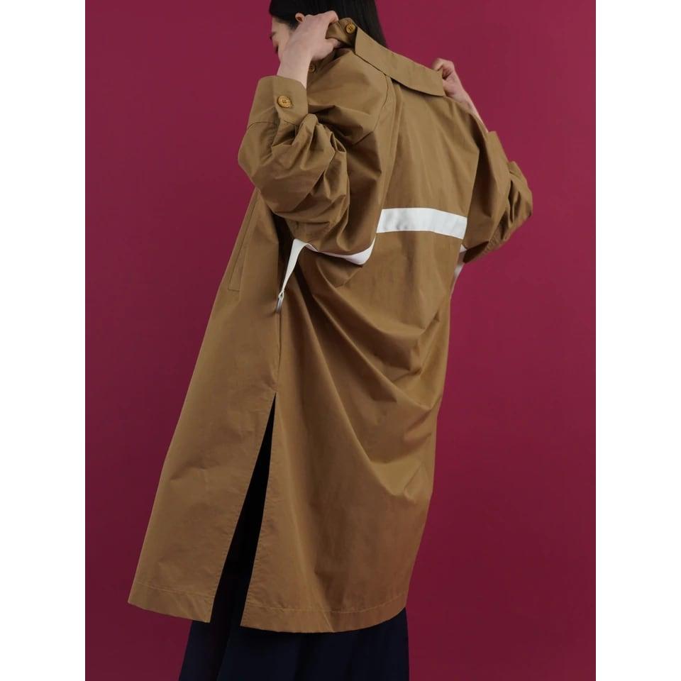 【 CYAN TOKYO 】- 214226 - バックベルトシャツコート