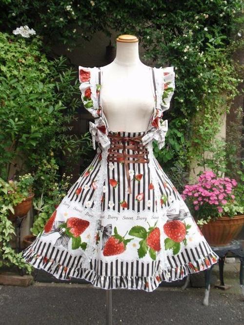 フリルワンピース いちごの国へのお出掛けジャンパースカート