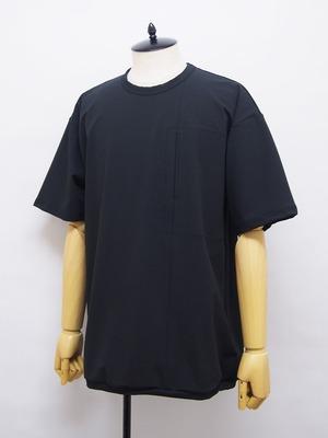 ONE by O U R E T (ワンバイオーレット) スラッシュ胸ポケットクルーネック半袖 / BLACK OB211-0471-93