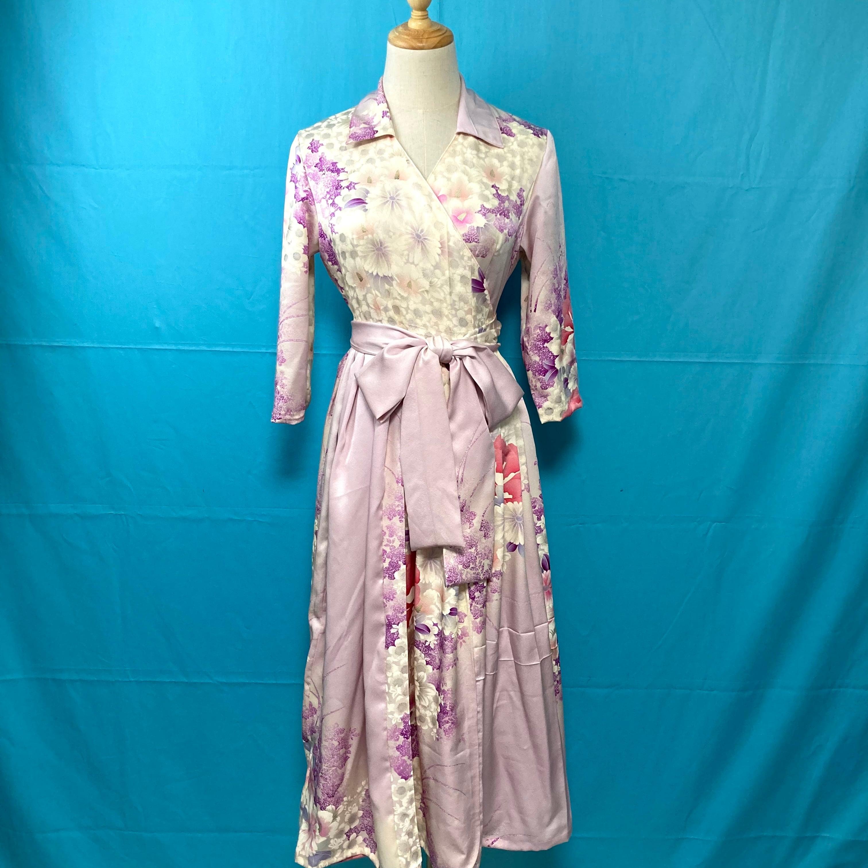 Vintage embroidery kimono wrap dress/ US 6