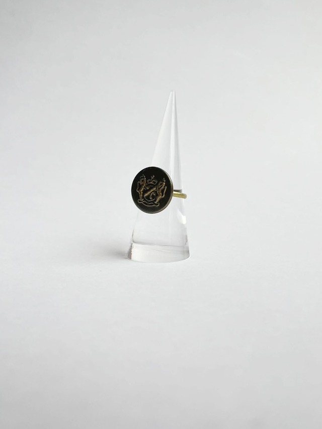 HANDMADE EMBELM button ring