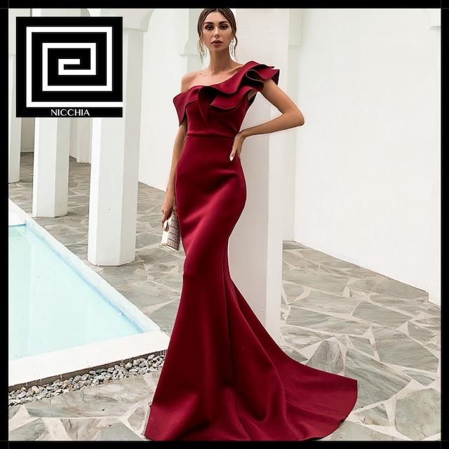 スラッシュネックフリルイブニングドレス