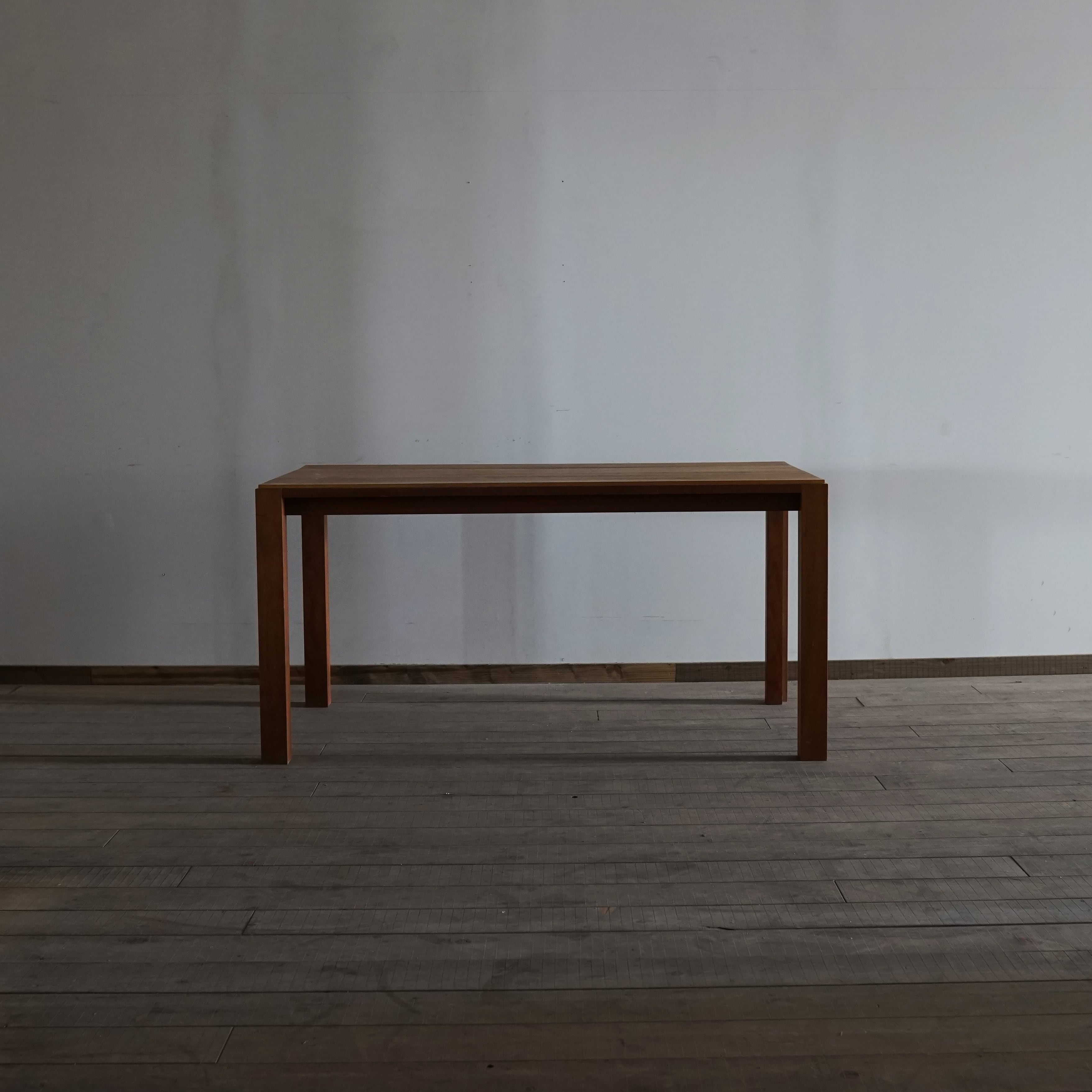 #03-03  Square table