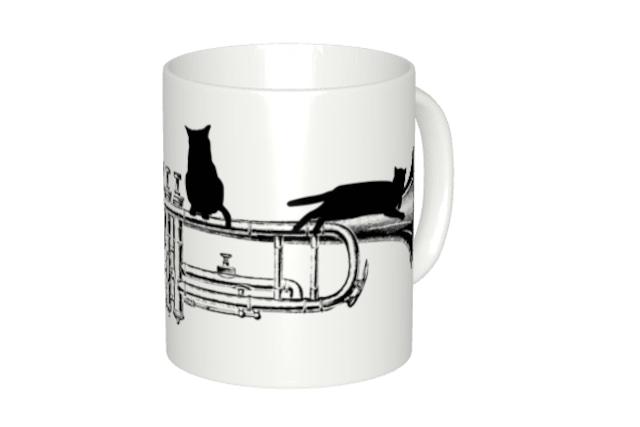 トランペットと黒猫のマグカップ
