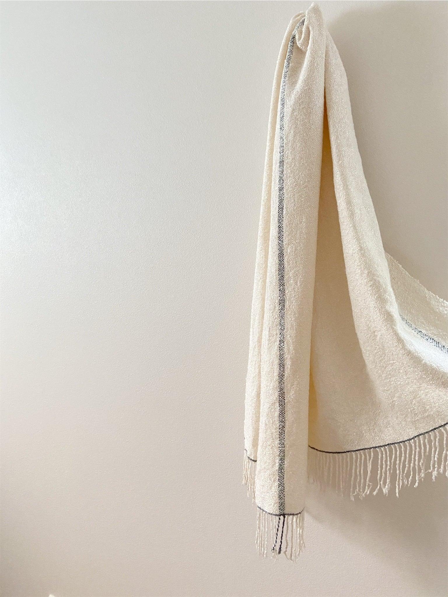 手織りシルクショール(Hand-woven Silk scarf )