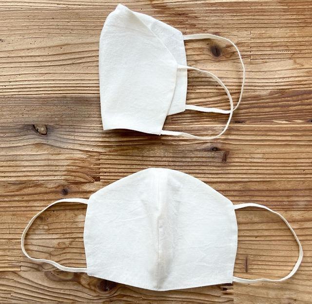 パイナップルの葉から作られた布マスク