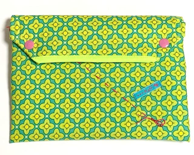 保冷剤ポーチ クーラーポーチ グリーン幾何学模様