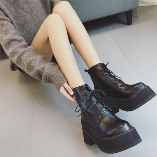 【シューズ】韓流切り替え厚底ショート丈ブーツ42910189