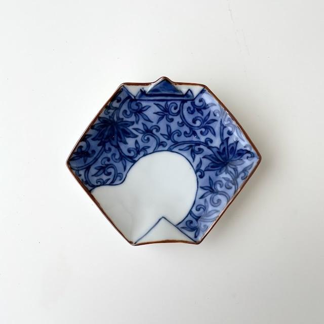 【おてしょ皿】染付唐草文 折紙型手塩皿