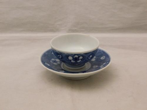 平安伍平染付ソーサー付盃(1客) Kiyomizu porcelain sake one cup