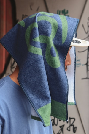 LOGO SPORTS TOWEL [ NAVY x GREEN ]