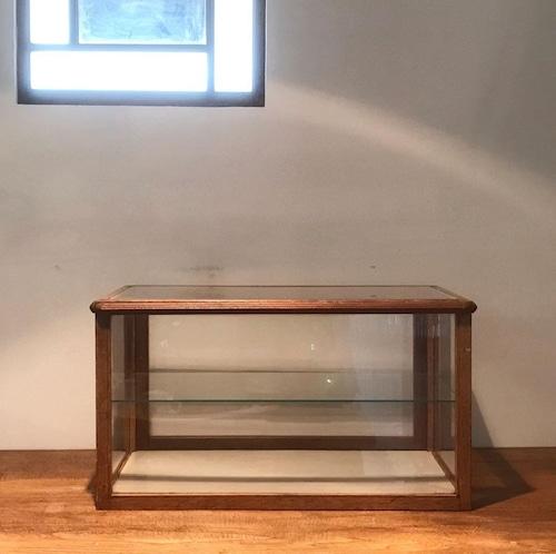 古いガラスケース シンプル レトロ アンティーク