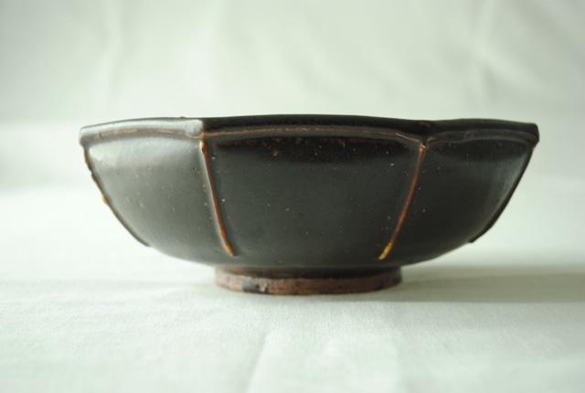 ■光藤佐  :  黒釉八角鉢 6.5寸