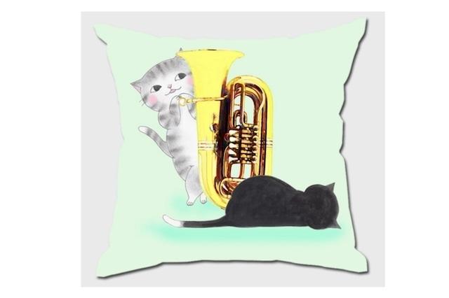 チューバ猫のクッションカバー