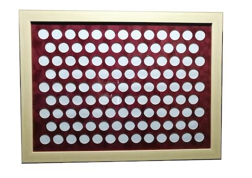 記念メダル収納ケース(113個収納 吊り下げ額縁)/ 送料無料