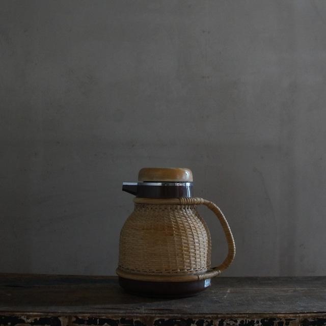 古い国産の魔法瓶