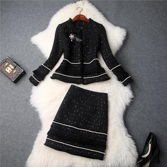 ブラック/ホワイト有り ★上質素材 ツイード タッセル ビジュー ドレス ツーピース