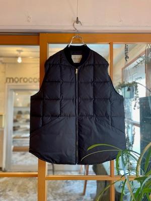 COMFORTABLE REASON / Rip-Stop Down Vest