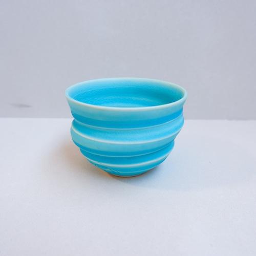 青い渦巻きお碗