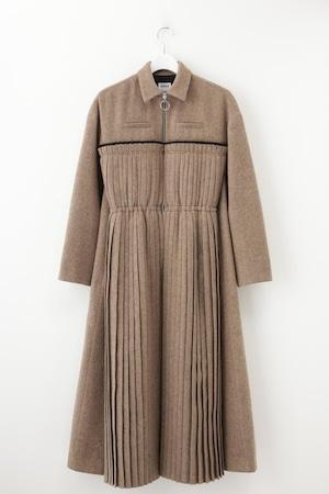 Pleats Coat