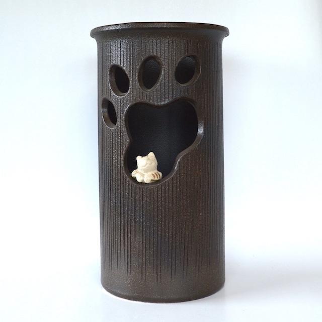 窓ねこ傘立て 531-01  信楽焼 和風 傘立て モダン 美術品 焼き物 傘入れ 陶器 工芸品 和風モダン 傘 収納 しがらき 猫 ねこ