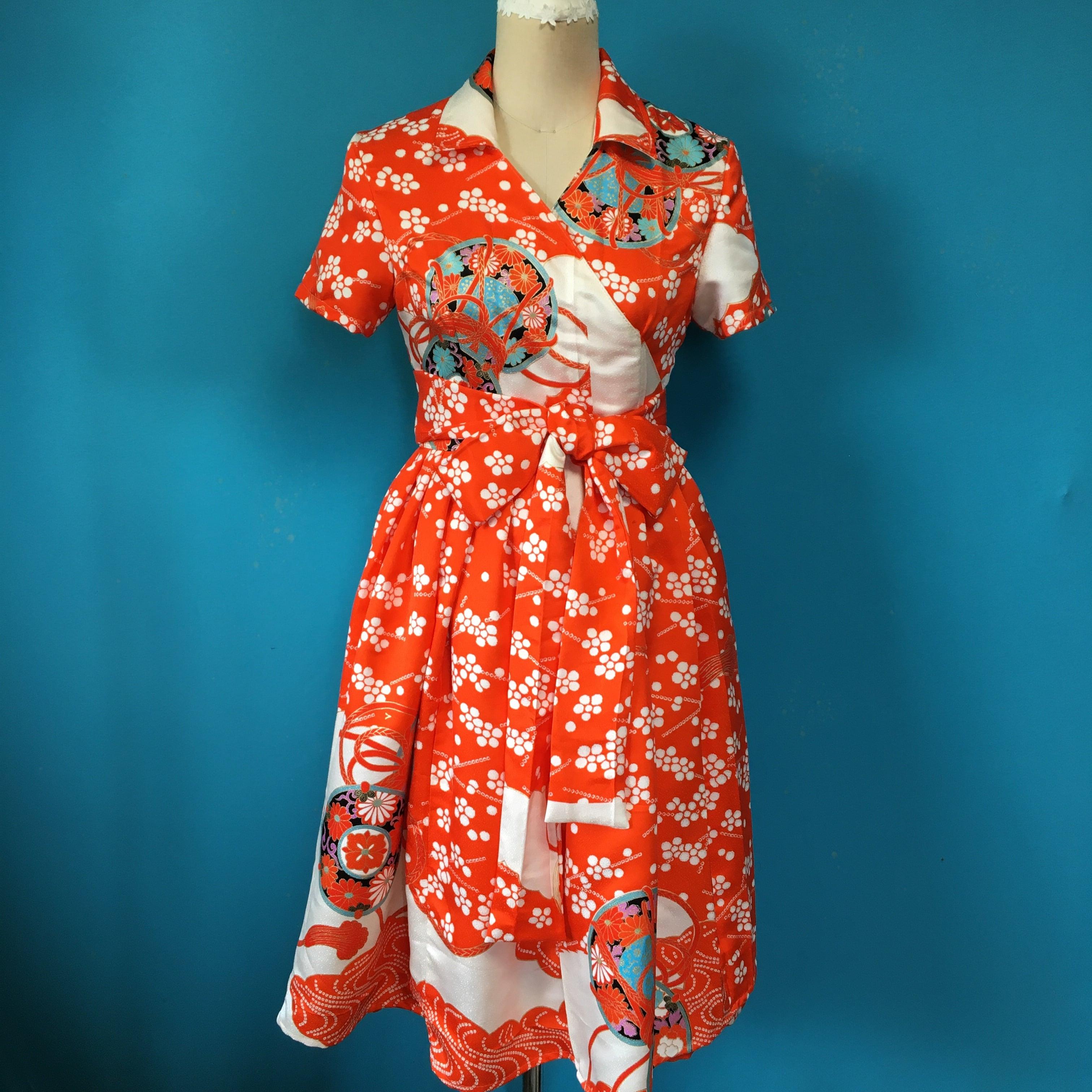 Vintage 着物の赤白ラップワンピース