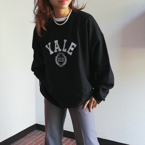 The BOOK STORE(  YALE 80S BACK SIDE PRINT CREWSWEAT )