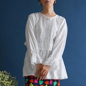 【送料無料】80's Vintage white Hungarian traditional folk blouse with ruffled sleeves