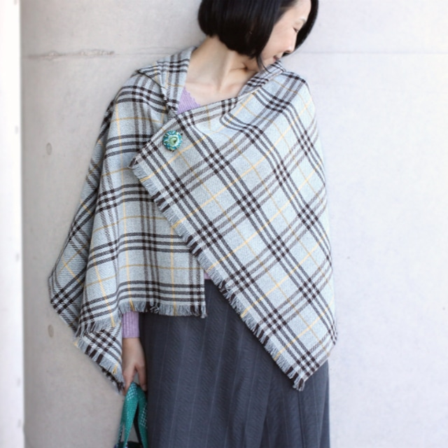選べる刺繍ブローチ付きウールストールポンチョ【ウールチェック】