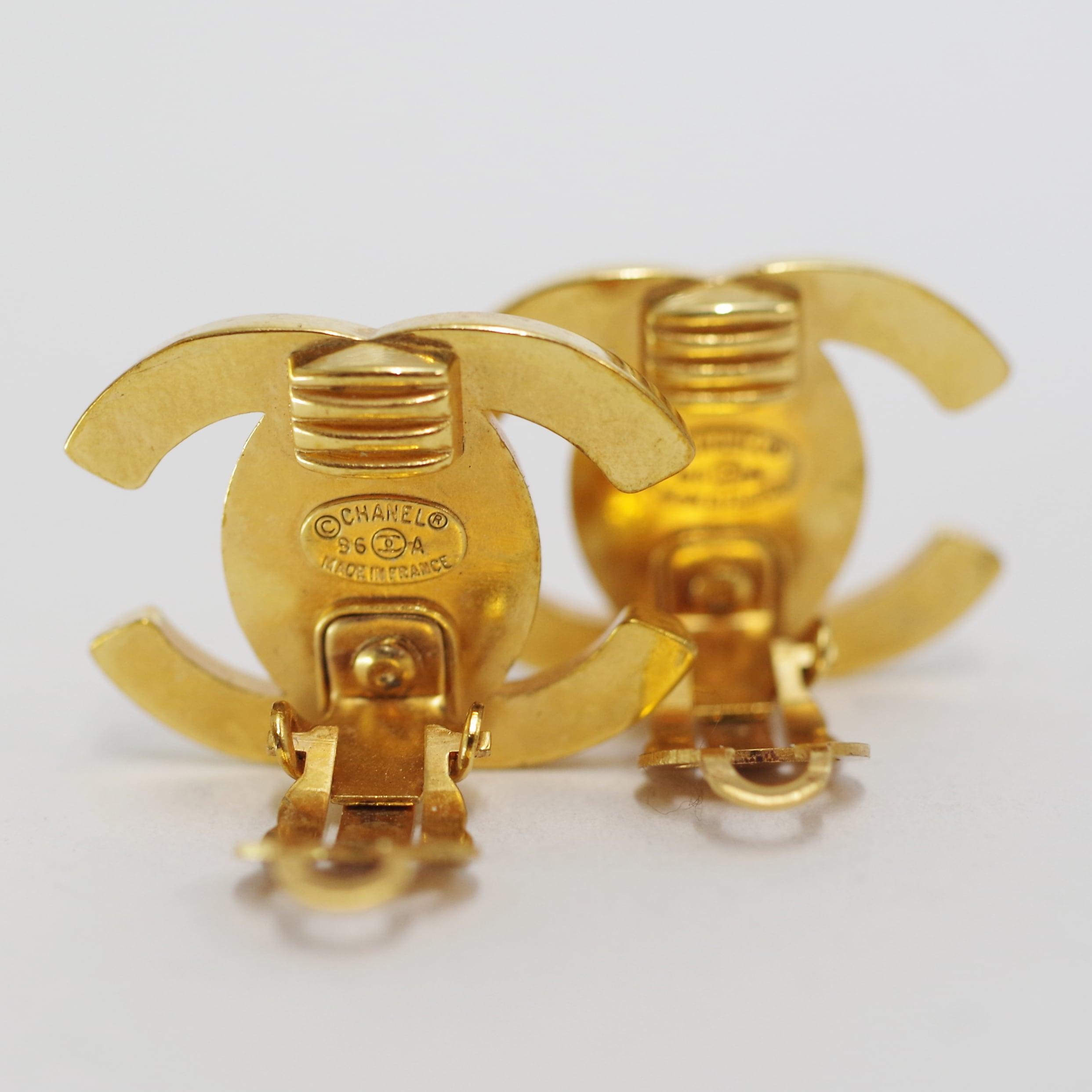 CHANEL シャネル ココマークイヤリング ゴールド アクセサリー