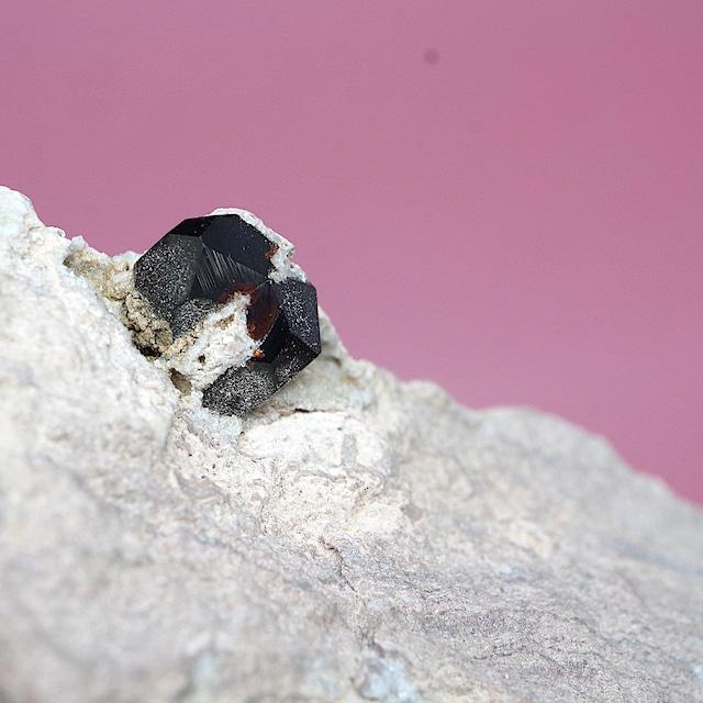 アルマンディン ガーネット 柘榴石 117g  原石 GN111 鉱物 標本 原石 天然石