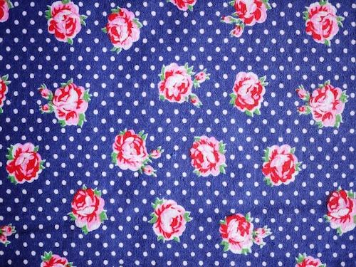 昭和レトロ生地 ロシア風ドットとバラ 89巾×215㎝ カットクロスプリント