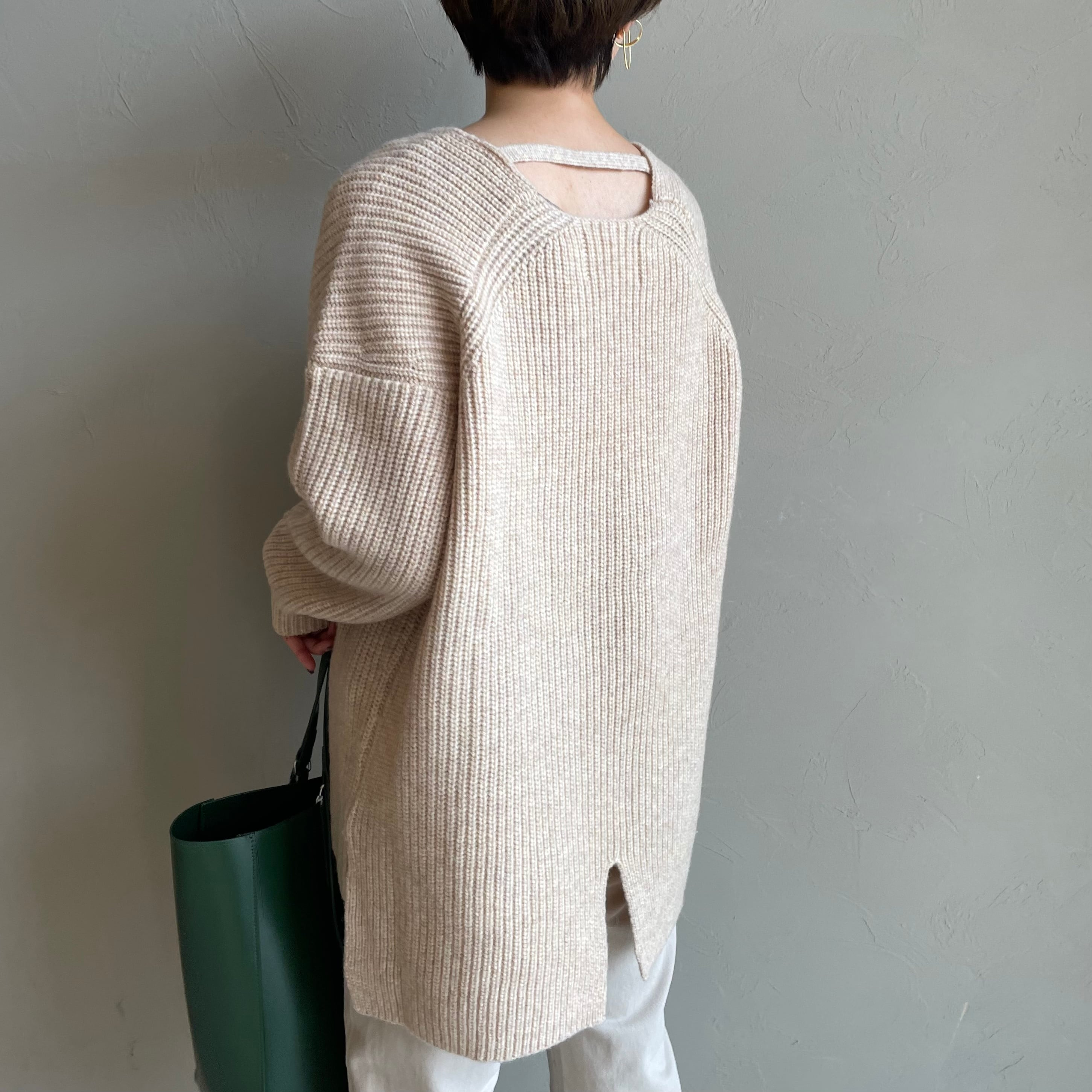【 Lilly Lynque 】- 8003111 - Air yarn Vneck tops