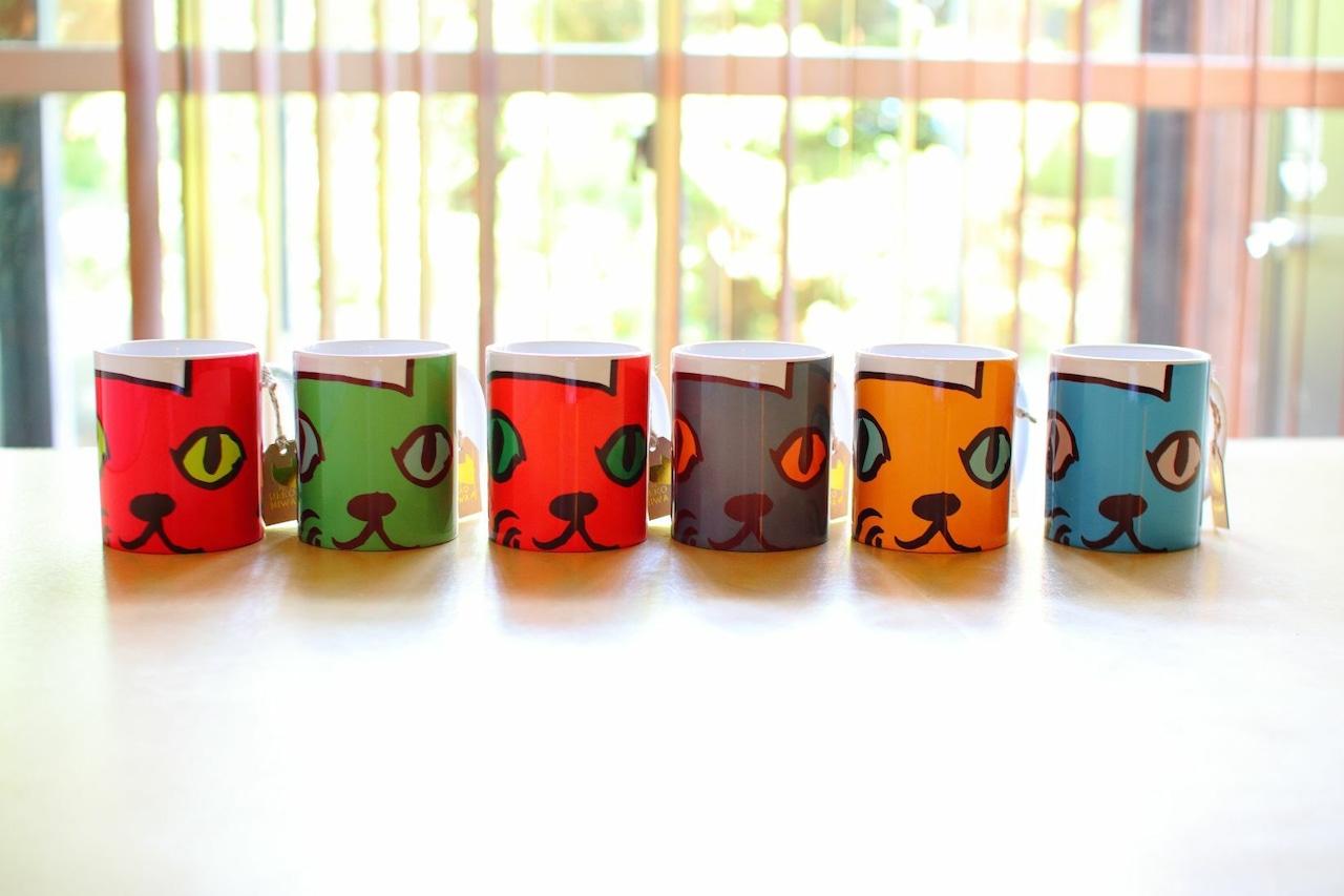 フルカラー6個セット★お得★溢れんばかりかの猫庭マグカップ【好きな色選べます‼】