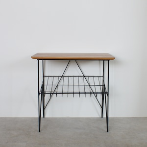 Side table with magazine rack / TB011